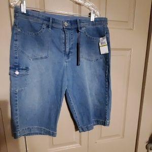 Nwt Gloria Vanderbilt Bermuda shorts